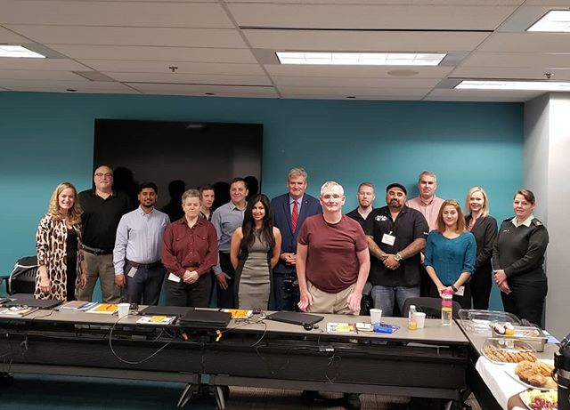 Happy to join @IBMCanada to welcome @CanadianArmy veterans at @IBM's Veterans Training Session Week. So great to see Canadian companies recognize & support our veterans by giving them the skills they need to transition from service to the corporate workforce.